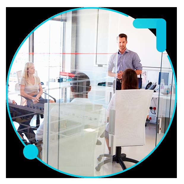 Sistema de gestión de incidencias trabajadores en una reunión